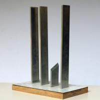 Afbeelding van het kunstwerk 'ontwerp mon.' van P. Dekker